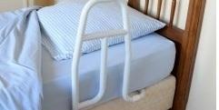Barre de relevage pour lit