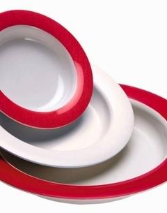Assiette ingénieuse avec fond incliné - discret