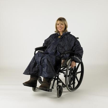 Poncho à manches avec doublure pour utilisateur de voiturette ou scooter