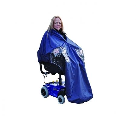Cape pour fauteuil roulant électrique et son utilisateur